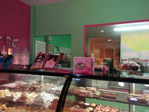 Νιώθετε-ότι-η-σοκολάτα-είναι-ο-κόσμος-σας-.-praline-pastry